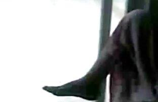 4 कश्मीर उत्साहित गोरा एक पूल टेबल पर गड़बड़ यूट्यूब पर सेक्स मूवी हो जाता है
