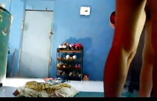 गर्म छोटे बालों वाली लड़की बाथटब हॉलीवुड सेक्सी मूवी इन हिंदी में