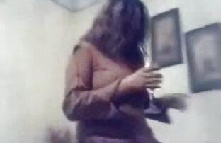 मोटी फूहड़ हिंदी सेक्सी फिल्म फुल मूवी मुर्गा कठिन और कठिन